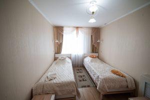 Номер 506, большая спальня